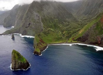 The-Natural-Beauty-of-Molokai-Island